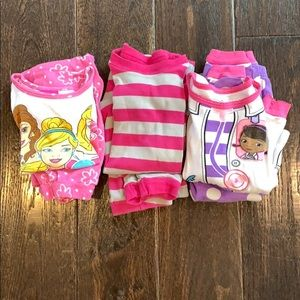 Lot of 3t girls pajamas